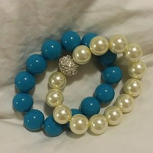 Pearl and blue giant bead bracelets